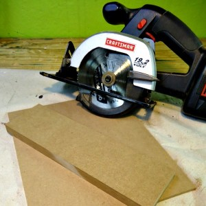 How to Make a DIY Circular Saw Crosscut Jig