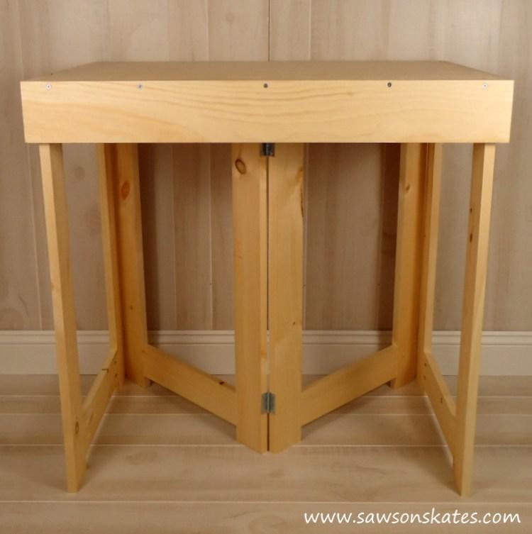folding workbench assembled