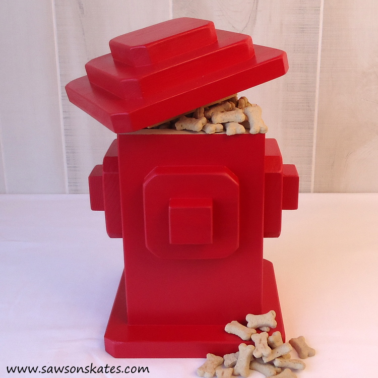 I love these DIY dog projects - I'm making this fire hydrant shaped DIY dog treats container for my pup!