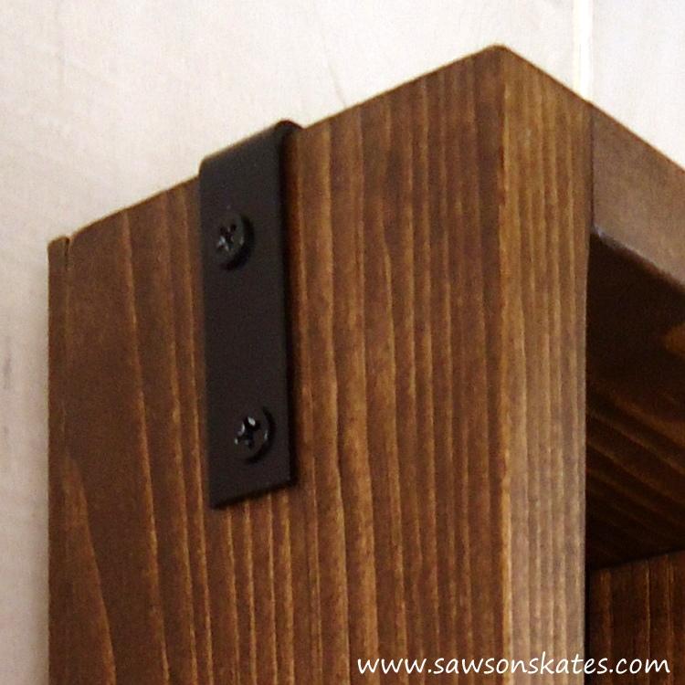 DIY Chalkboard Shadowbox bracket