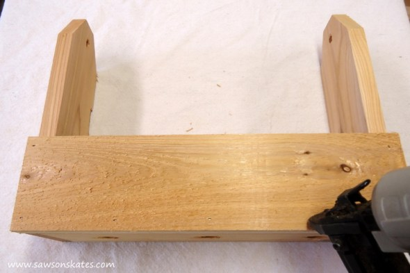 diy tool caddy planter attach front to sides 2