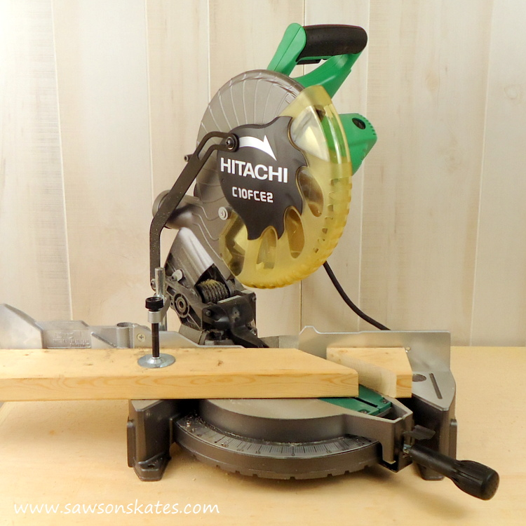 How to adjust a miter saw for accurate cuts hitachi miter saw 45 degree cut 2 greentooth Image collections