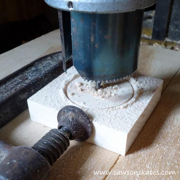 DIY Painted Wooden Vintage Camper Napkin Holder - Make the wheels 2