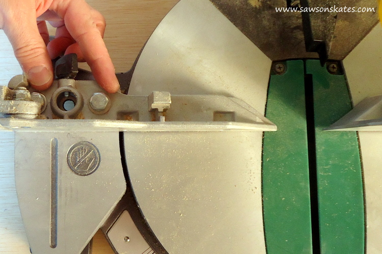 how-to-adjust-a-miter-saw-for-accurate-cuts-fence