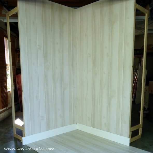 Looking for DIY photo backdrop ideas? This one is perfect for taking pics of large projects like furniture, plus it can reconfigured to form a corner!