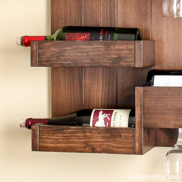 Wall-mounted DIY wine bar