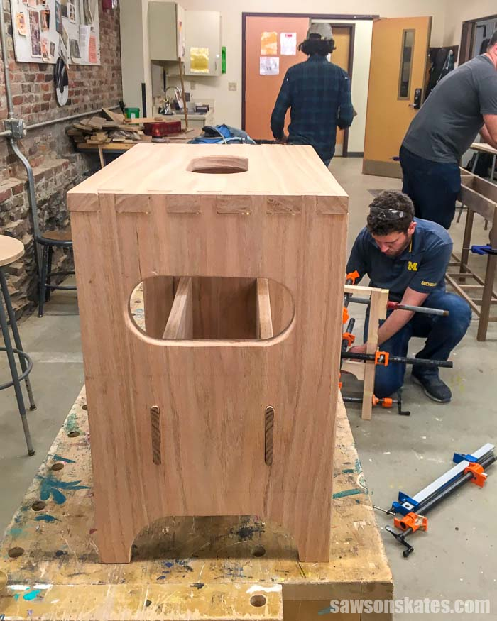Learn basic DIY skills with these woodworking classes for beginners! We'll look at online woodworking classes and where to take classes in your hometown.
