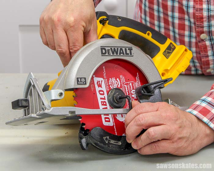 Learn how to change a circular saw blade! We'll see which direction to install the blade, how to tighten the blade, what size blade you need and more!
