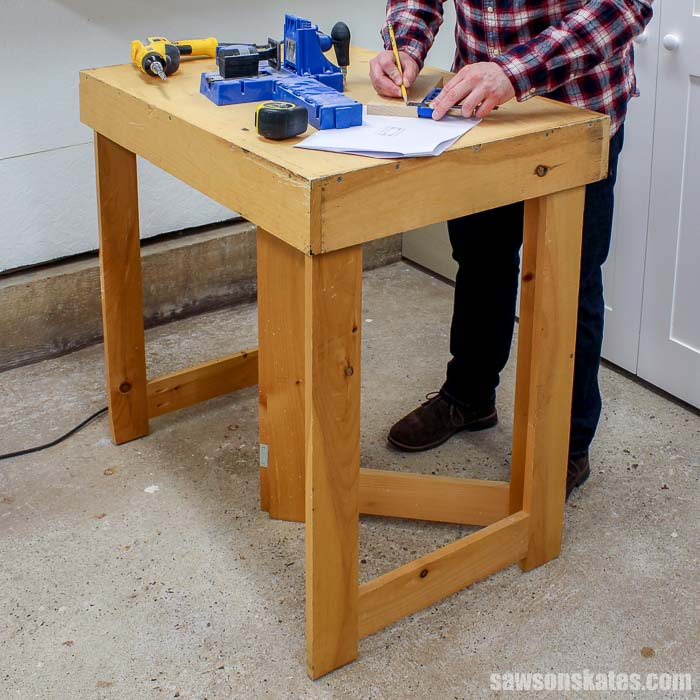 DIY Folding Mobile Workbench (Free Plans) | Saws on Skates®