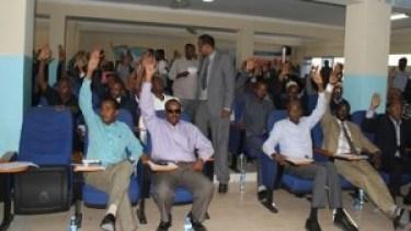 Baarlamaanka_Somalia_Codeyn_Sharci_660