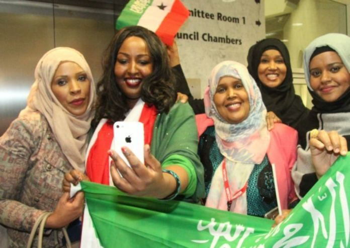 Cllr Rabina Khan (left) joins Somaliland campaigners for a 'selfie