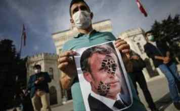 Muslims call for French goods boycott to protest Prophet Muhammad caricatures
