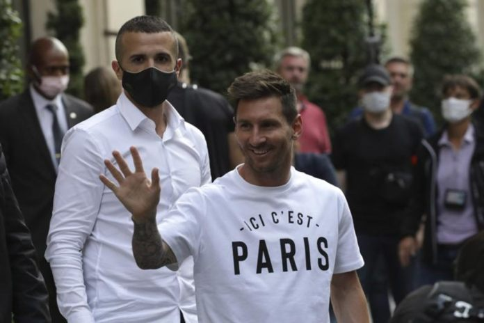 Lionel Messi Signs 2-Year Contract With PSG