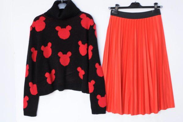 Pulover Mickey negru cu guler