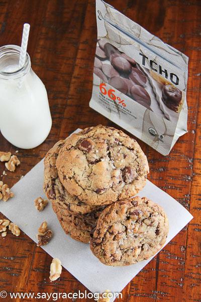 Chunky Chocolate Walnut Cookies