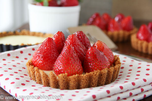 Strawberry Cheesecake Tartlet