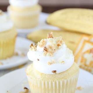 Banana Pudding Surprise Cupcakes
