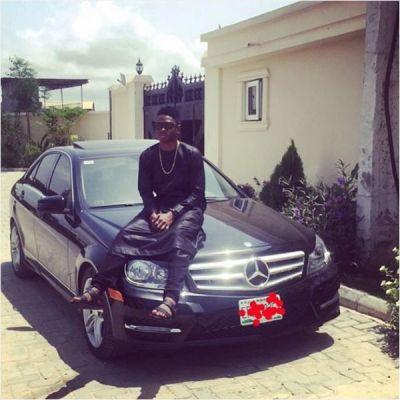 Lil Kesh AcquiresNew Luxury Car