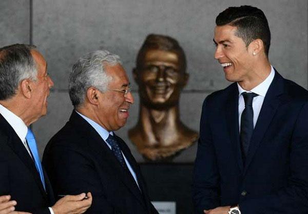 'Even Jesus Didn't Please Everyone' – Sculptor in Bizarre Defence of Ronaldo's Bust