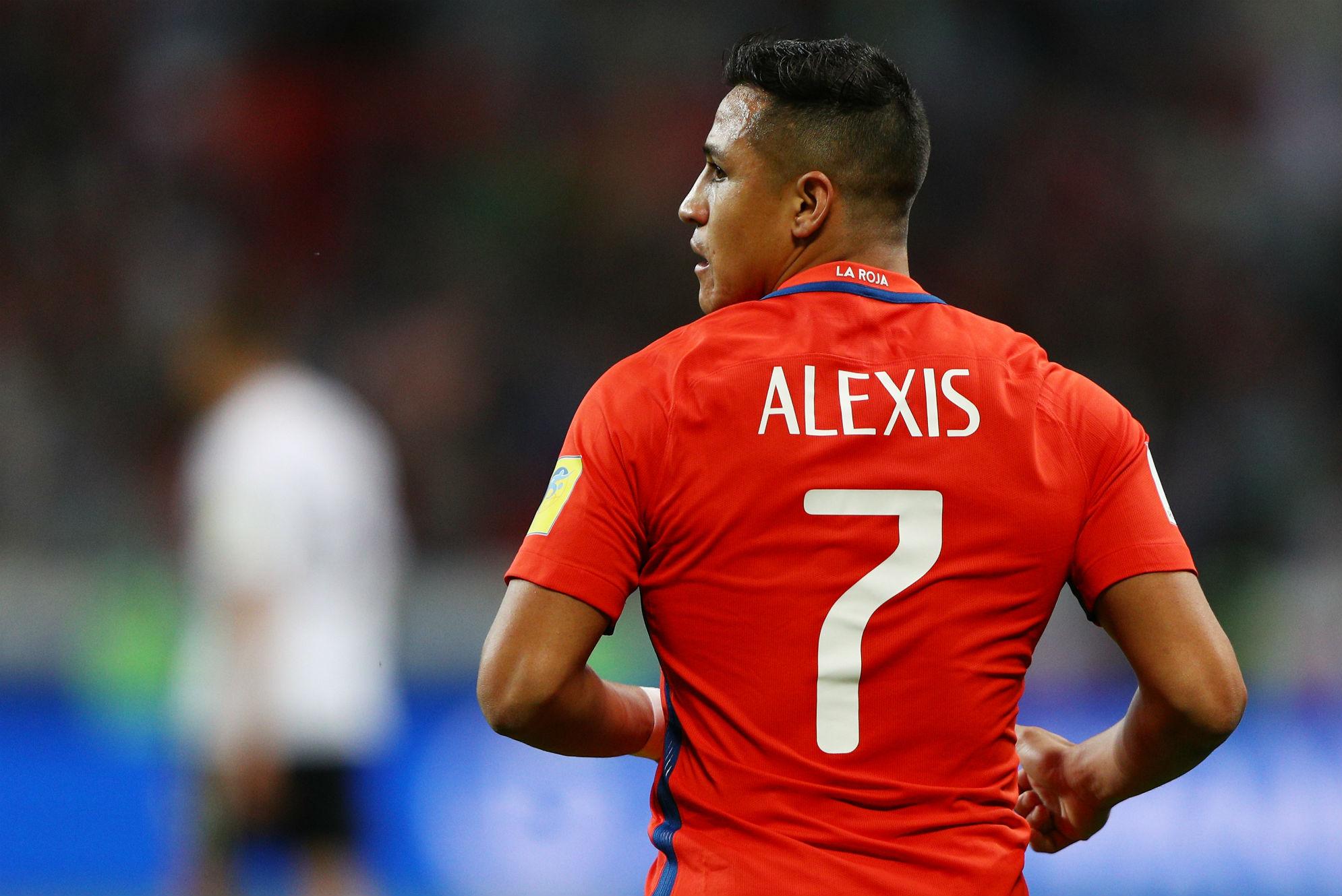 Alexis Sanchez Meets PSG Chiefs Ahead of His €50 million Switch