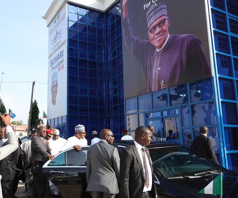 President Buhari Visits Campaign Office