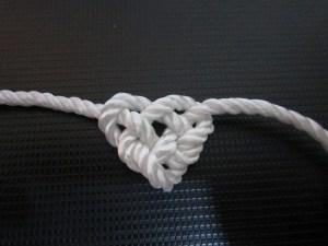 Celtic Heart Knot (Credit: Eilanuy/Deviantart)