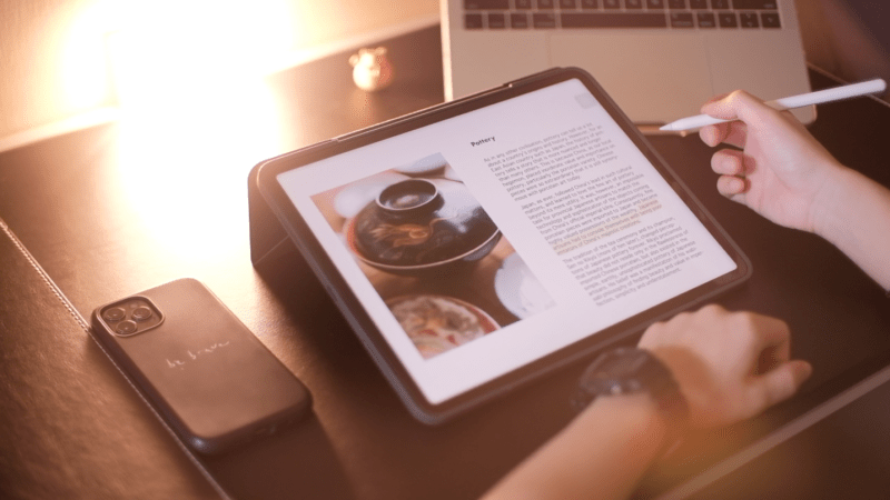 """Vlog: 3 thought-provoking books I've been reading on my iPad Pro 12.9"""" (5th gen)."""
