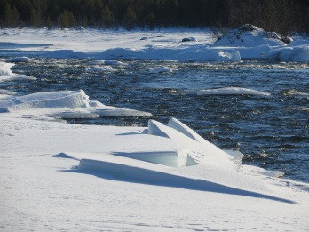 Ice flows in the Torne River