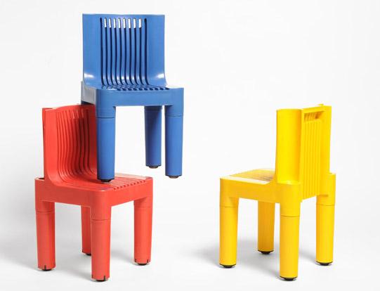 La sedia impilabile per bambini di sapper zanuso sbandiu for La sedia nel design