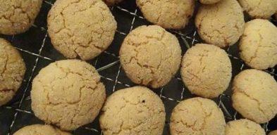 Crisp Coconut Biscuits (Gluten Free)