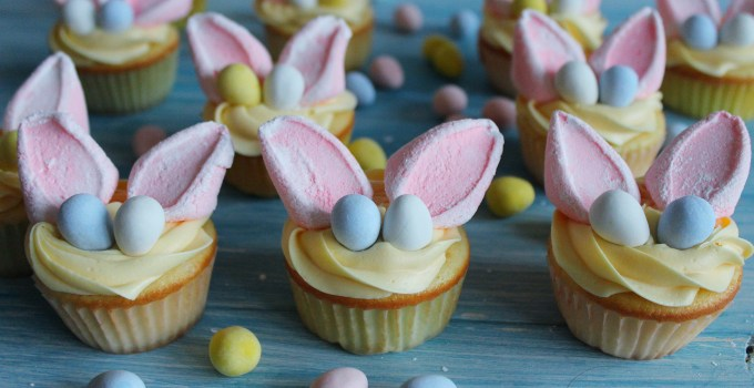 Easter Bunny Vanilla Sour Cream Cupcakes with Lemon Buttercream