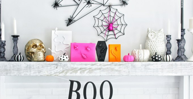 A Spooktacular Mantel for Halloween