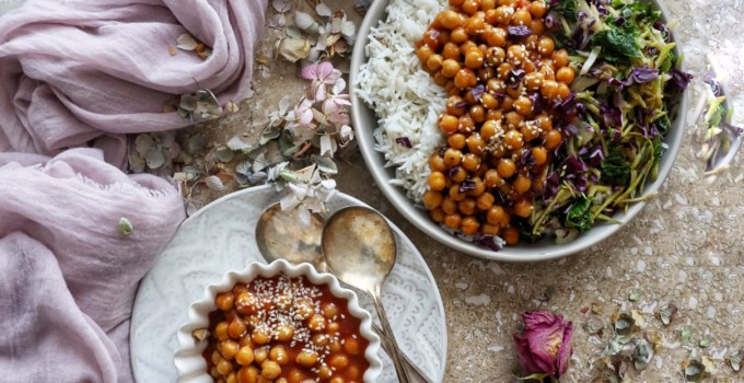 Vegan Sweet & Sour Chickpeas