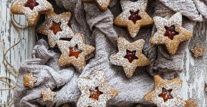 Gingerbread Linzer Cookies