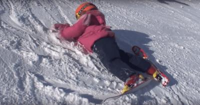 Падение ребёнка на лыжах