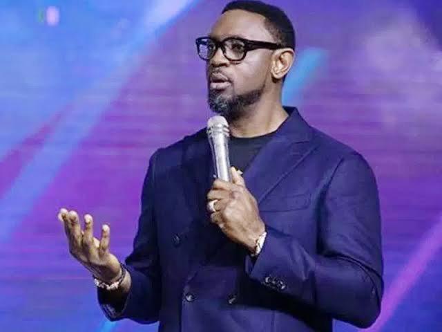 Download The Secrets to an Exceptional Year with Reverend Biodun Fatoyinbo.mp3