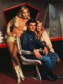 Richard Benjamin and the Barnstable twins in NBC's Quark