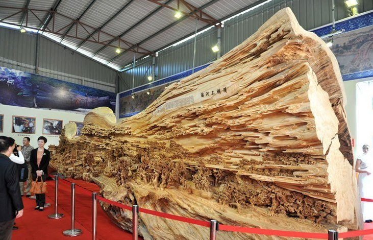 longest_wooden_carving_masterpiece_7