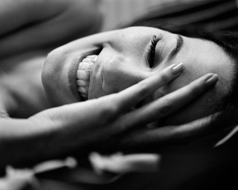 Photographie de portrait en noir et blanc par Stéphane Bourriaux Photographe fait à Paris