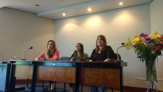 Abertura da Jornada pela diretoria da Associação de Candidatos da SPMG: Camilla Biaggi, presidente; Daniela Bisewski, tesoureira; Cecília Cruvinel, secretária.