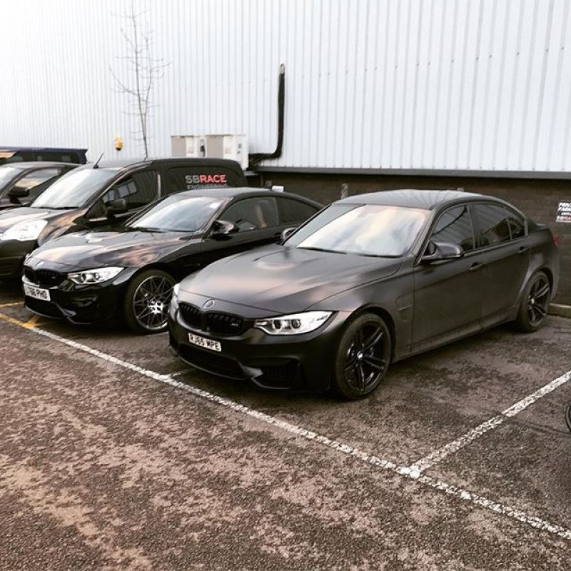 Good to see @wallacepjw today, always good banter and we did a little video with our M cars too#minescleaner #sbraceengineering #supercarsoflondon #bmw #m3 #m4 #m4competitionpackage #black #dirty