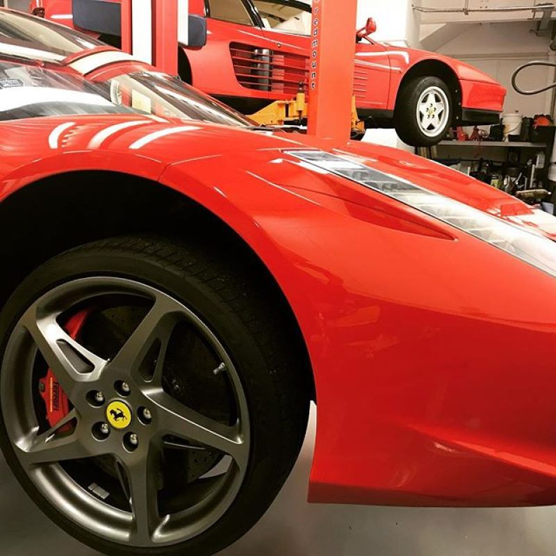 Old and the new in for the first week of 2018... #ferrari #red #ferrari458 #458 #ferraritestarossa #testarossa #service #specislists #sportsexhaust #sbraceengineering #sbr