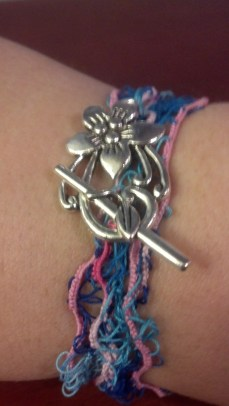 Hairpin lace and tatted bracelet. Tatted and designed by Natalie Rogers.