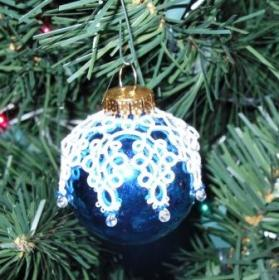 Snowflake Ornament tatted by Lois Bresnahan