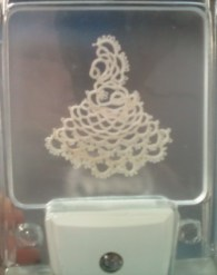 Colonial Lady Night Light with Cheryl Birch She will show how to use this cute motif to create a night light.