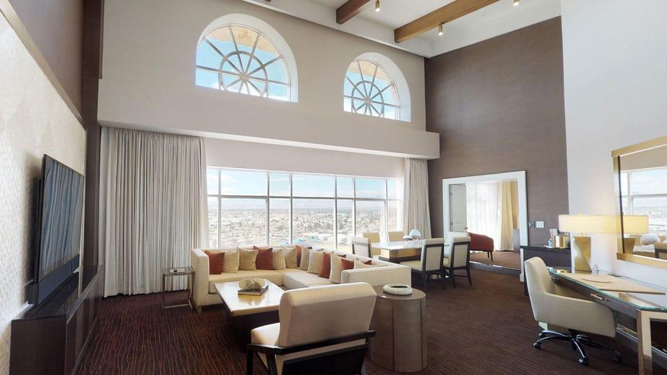 Palace Station Grand Suite Livingroom