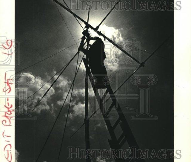 Get Quotations  C2 B7 1985 Press Photo Ham Radio Operator Ray Crain Adjust Radio Antenna Nob08513