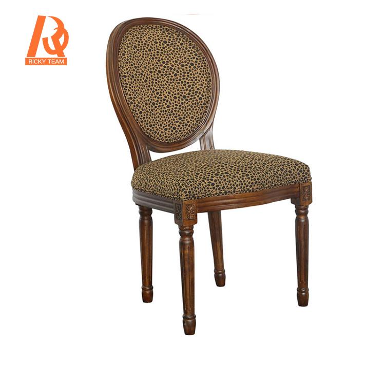 chaise vintage de style louis xv