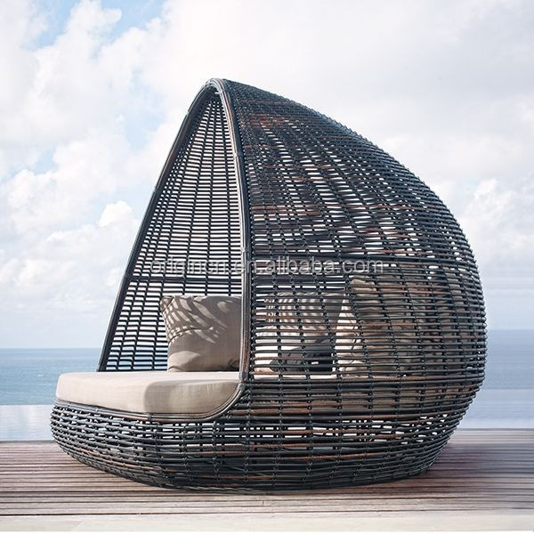 Home Patio Beach Thick Rattan Material Pyamidal Cocoon