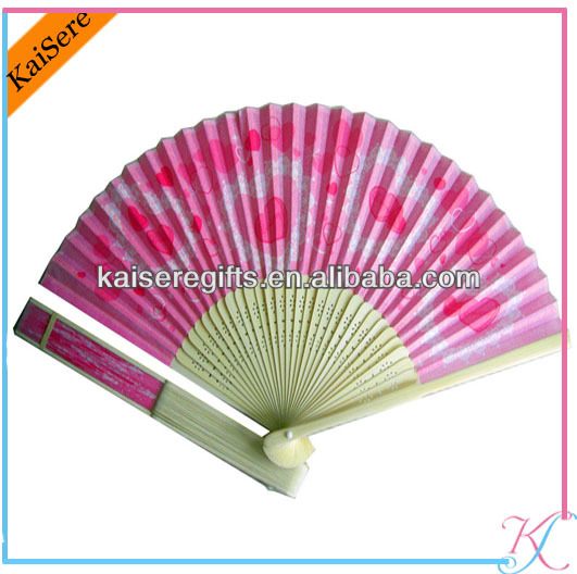 Our Triangle Format Openable Fan Is A Bit Bigger Than The Simple Wedding Invitation Therefore We Have More E For Texts